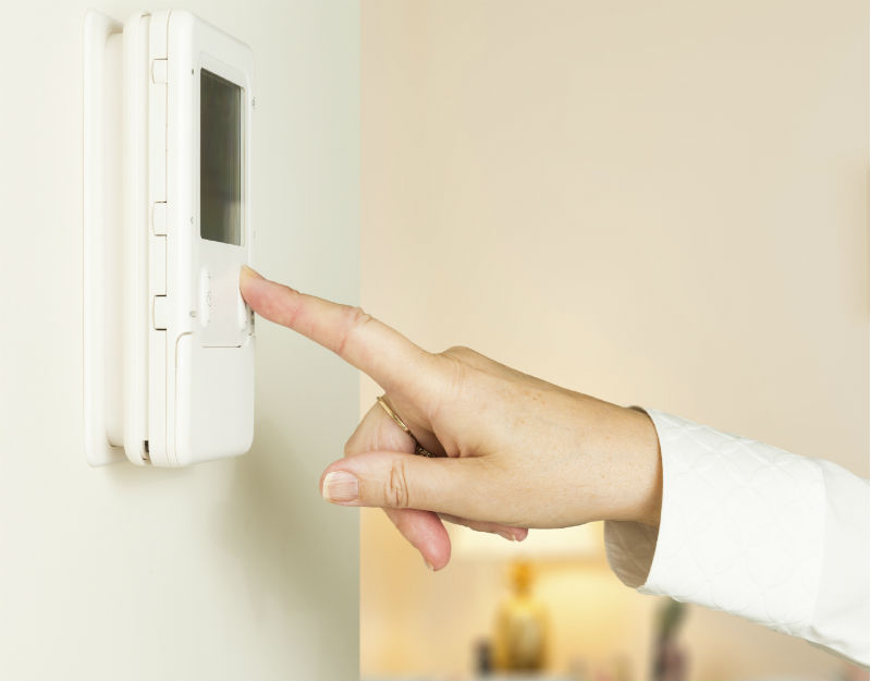 What Is a Programmable Thermostat?